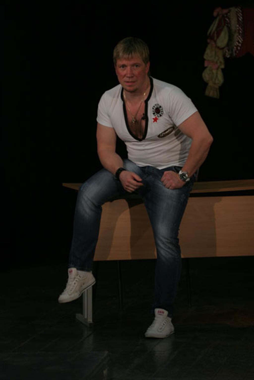 Алексей кравченко с детьми фото