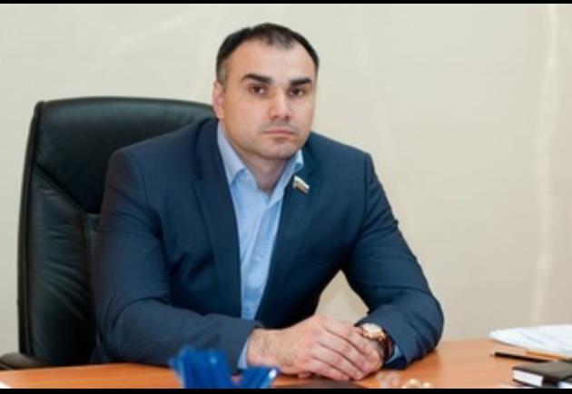 Прежнего заместителя председателя кировского Заксобрания подозревают вмошенничестве