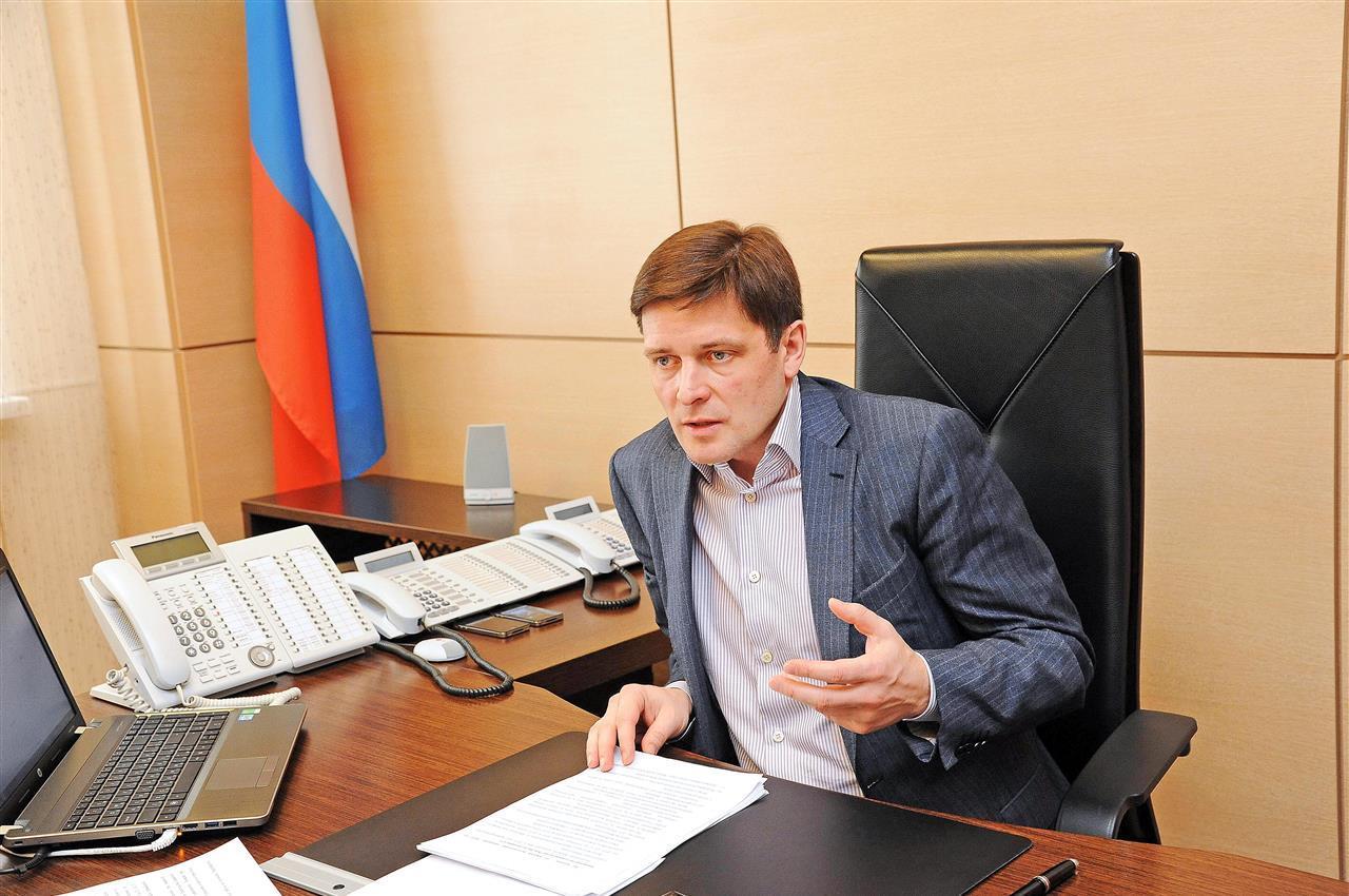 Алексей Гришин оставляет пост министра возведения Самарской области иуезжает в столицуРФ