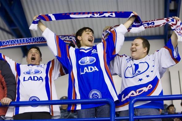 Сегодня хоккеисты «Лады» насвоем льду сыграют срижским «Динамо»