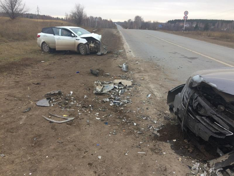 ВКинельском районе столкнулись «Kia» и«Toyota», есть пострадавшие