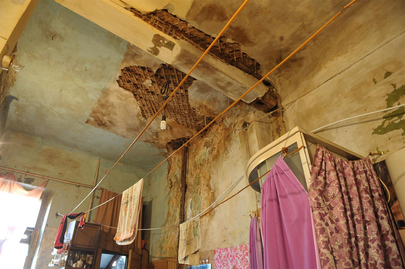 Владимир Кошелев предлагает расселять аварийные иветхие дома кварталами