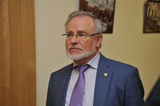 Азаров решил направить самарских министров науроки истории родного края