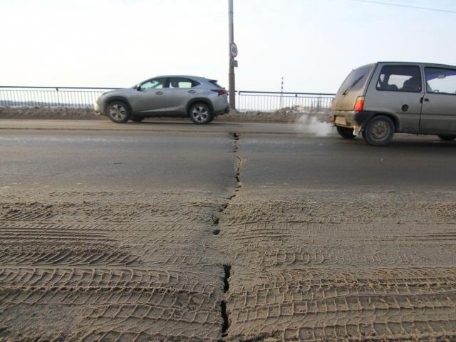 ГИБДД: Движение транспорта поЮжному мосту могут ограничить