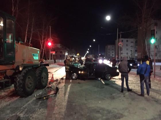 ВЧапаевске «Lada Priora» врезалась вавтогрейдер убиравший снег, погибли два человека