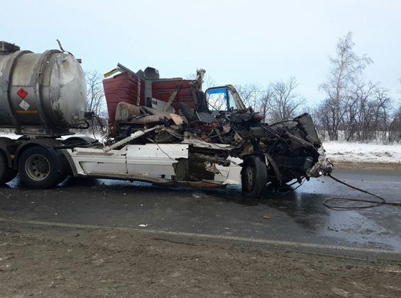 ВСызранском районе вДТП пострадал шофёр фуры, въехавшей вКамАЗ