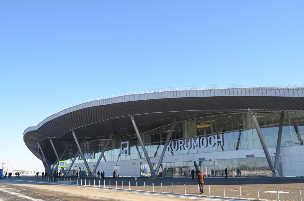 Из-за повреждения взлетно-посадочной полосы самолеты немогут вылететь изСамары