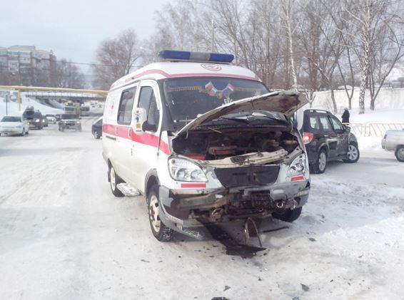 ВЖигулевске шофёр Субару протаранил машину скорой помощи, пострадали четверо