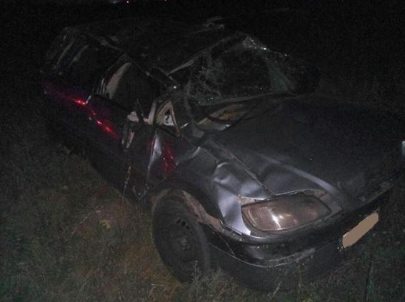 ВСамарской области иностранная машина улетела вкювет из-за лопнувшего колеса