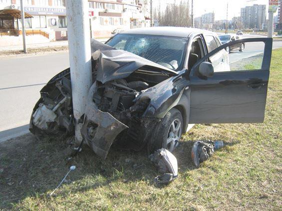 ВТольятти нетрезвый шофёр врезался встолб