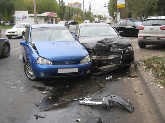 Три человека пострадали встолкновении Ауди иKalina вТольятти