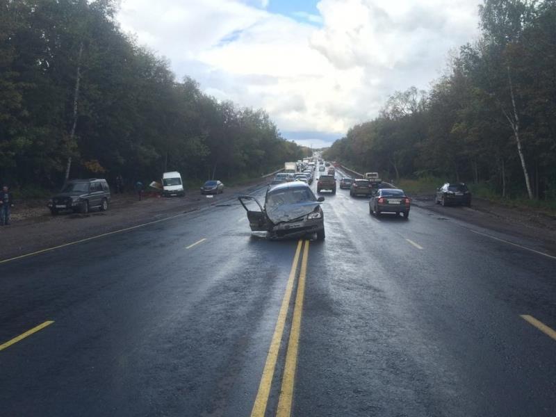 ВСамаре шофёр Фиат пробил колесо истолкнулся с«Нивой» навстречке