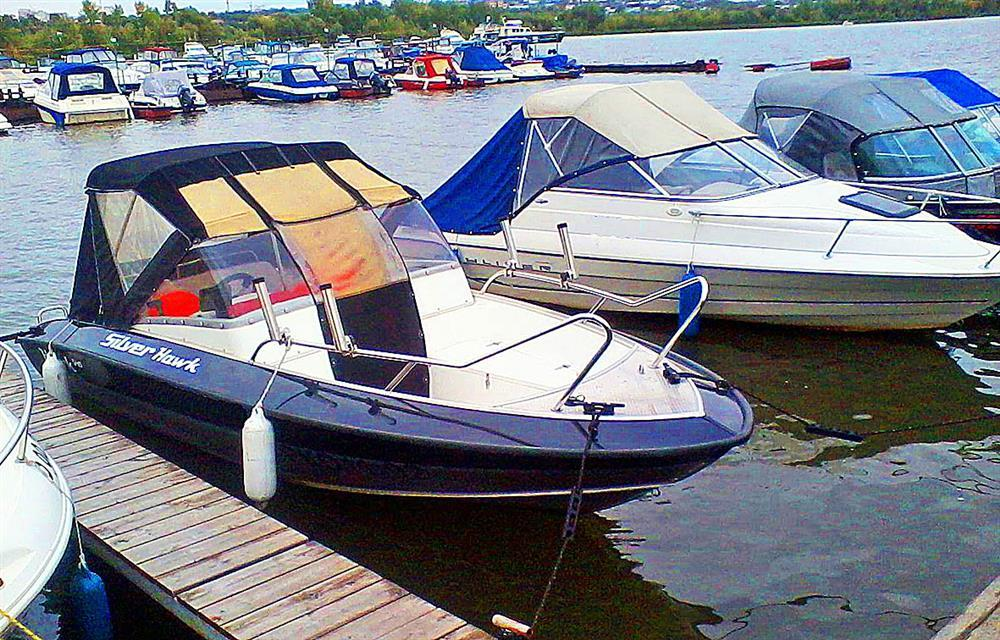 стоянки про  лодок на москве