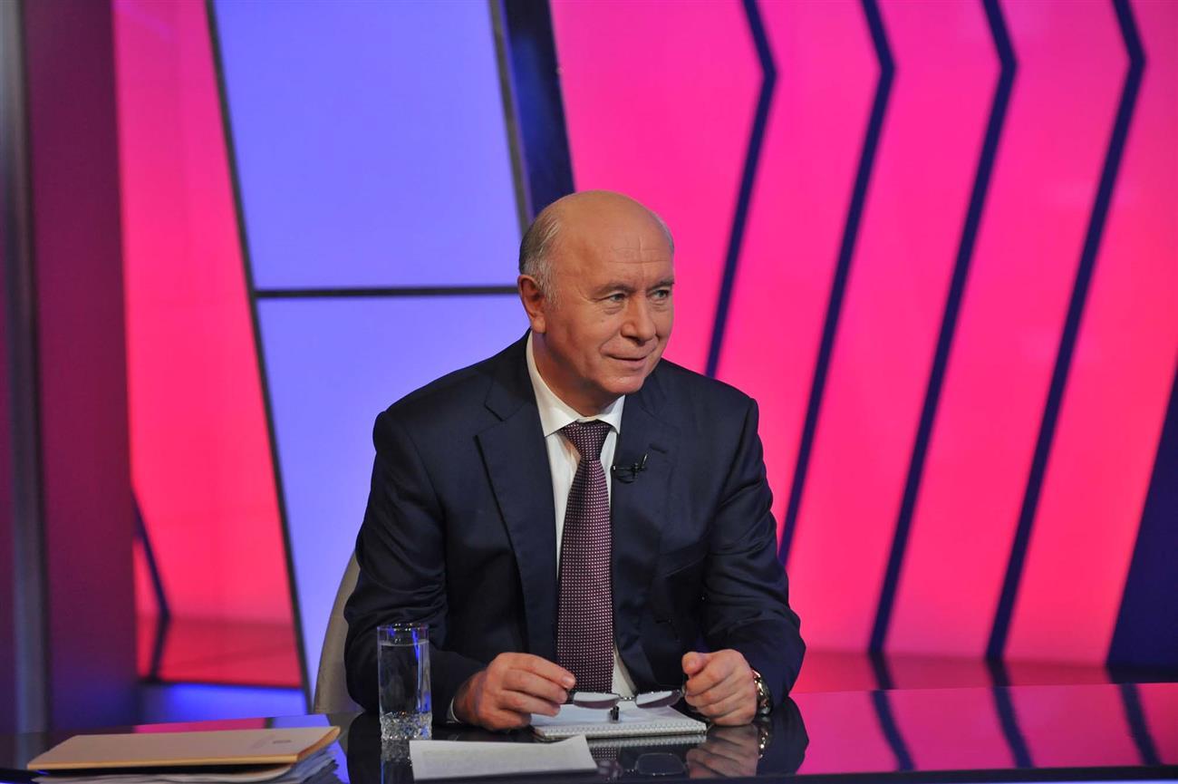 Самарский губернатор предложил рабочим АвтоВАЗагрегата получить заработную плату упосла США