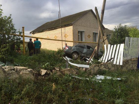 ВСамарской области нетрезвый шофёр врезался на«Приоре» взабор