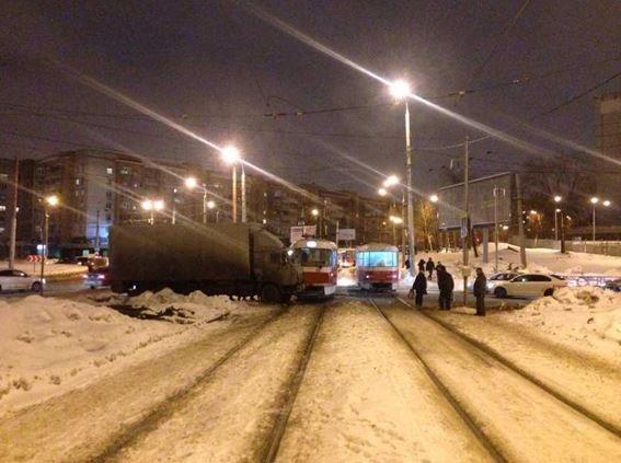 ВСамаре пострадала пассажирка трамвая, вкоторый врезался КамАЗ