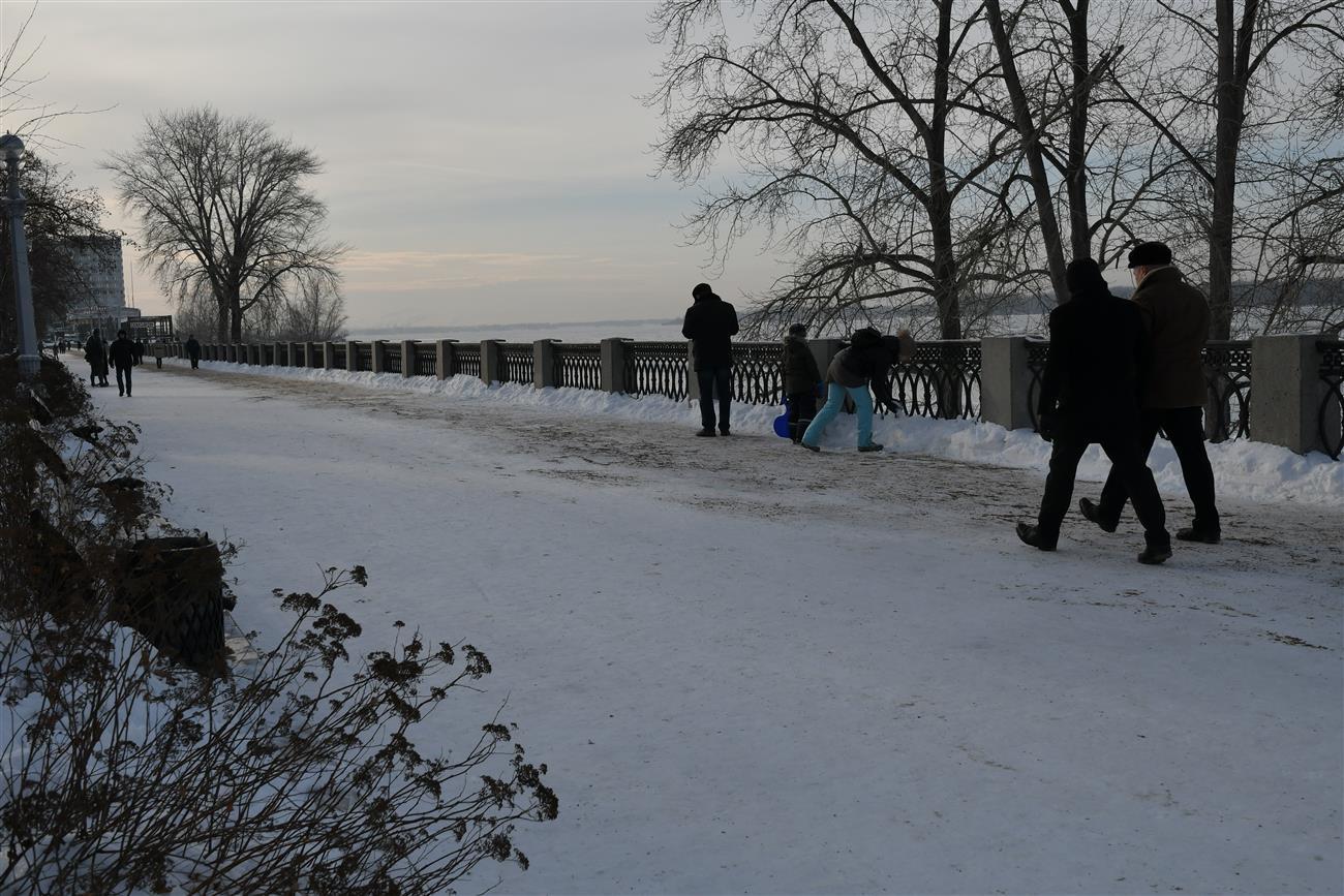 Сильный снег, метель иснежные заносы— Предупреждение отМЧС