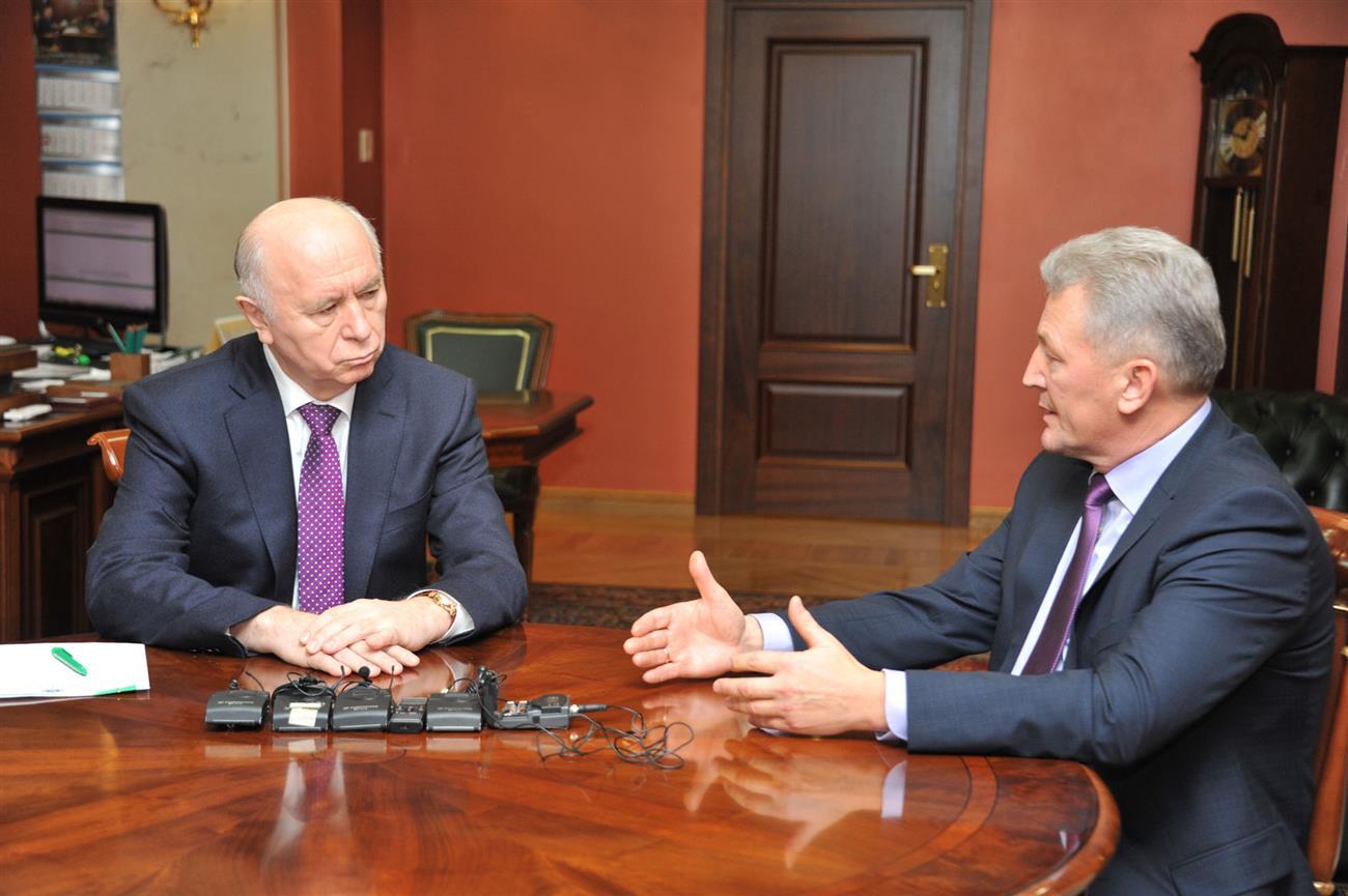 Николай Меркушкин провел рабочую встречу сбудущим министром возведения области Александром Баландиным