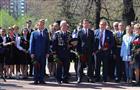 Тольяттинские депутаты вместе сглавой региона поздравили горожан сДнем Победы