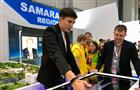 """Глава Росмолодежи Александр Бугаев: """"От посещения стенда Самарской области на выставке у меня - наилучшие впечатления"""""""