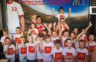 """В """"Макдоналдс"""" прошла встреча с детьми, которые вышли на стадион с футболистами"""