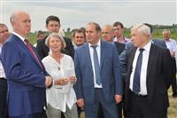 Глава региона ознакомился с работой агроинновационного центра в Похвистневском районе