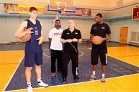 """Баскетболисты """"Красных Крыльев"""" провели мастер-класс в поселке Усть-Кинельский"""