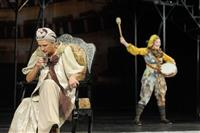 """Театр """"Колесо"""" открыл сезон премьерой спектакля """"Священные чудовища"""" по пьесе Жана Кокто"""