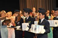 Николай Меркушкин вручил золотые медали выпускникам из малых городов и районов Самарской области