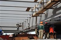 Строители Фрунзенского моста начали надвижку пролетного строения