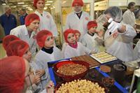 """Шоколадная фабрика """"Россия"""" приоткрыла двери для детей"""