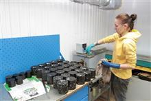 Проведение  испытаний образцов асфальта в собственной лаборатории  на территории АБЗ в пос.Курумоч