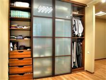 Как правильно организовать пространство внутри шкафа-купе