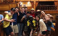 О чем говорят колумбийские болельщики за кружкой пива