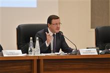 Дмитрий Азаров пообещал увольнять чиновников, игнорирующих суды