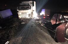 На трассе М-5 под Сызранью столкнулись четыре грузовика и Lada Granta, водитель легковушки погиб