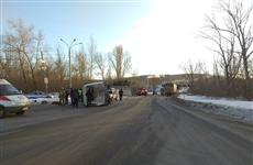 """Рядом с Жигулевском большегруз столкнулся с легковушкой и пассажирской """"Газелью"""", один человек погиб, пятеро пострадали"""