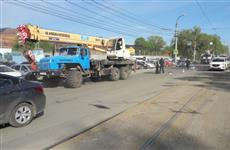 "Полиция: сбитая автокраном школьница шла по ""зебре"""