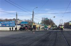 На ул. Авроры женщина на иномарке сбила ползшего по проезжей части мужчину