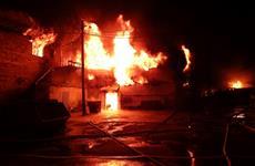 В Самаре ночью тушили крупный пожар на ул. Олимпийской