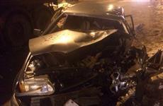 В Самаре при столкновении с грузовиком пострадал водитель легковушки