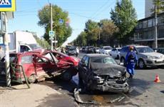 После крупного ДТП на ул. Антонова-Овсеенко в Самаре госпитализирован один человек