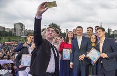 Около трех тысяч человек посетили выпускной бал в Пермском крае
