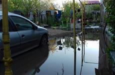 В результате коммунальной аварии в частном секторе целая улица ушла под воду