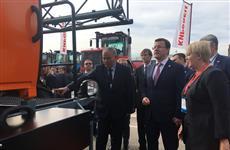 """Дмитрий Азаров: """"Предприятия региона нашли деловых партнеров и новые рынки сбыта продукции"""""""