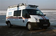 """Около 2 км сызранские спасатели несли сломавшего ногу рыбака к машине """"скорой помощи"""""""