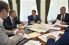 Дмитрий Азаров и Евгений Дитрих обсудили проект строительства трассы Европа - Западный Китай