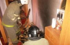 При тушении пожара в Жигулевске из дома эвакуировали семь человек