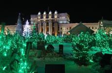 На площади Куйбышева установят пять елок с медиагирляндами