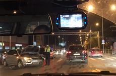 Движение на ул. Ново-Садовой в Самаре серьезно осложнило ДТП с двумя иномарками